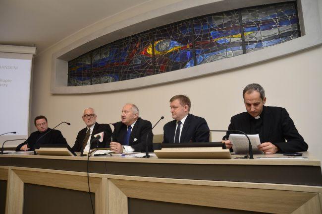 Oglądasz obraz z artykułu: Oświadczenie Rady Społecznej nt. klauzuli sumienia, 6.11.2014