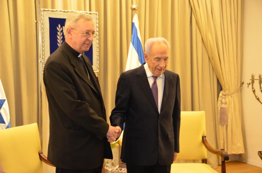 Ogl�dasz obraz z artyku�u: Zmar� Szimon Peres
