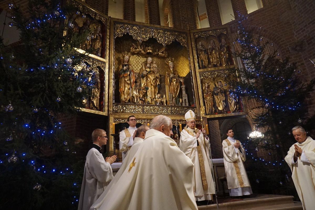 Oglądasz obraz z artykułu: Pasterka w katedrze poznańskiej