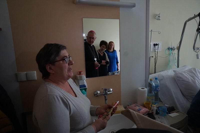 Oglądasz obraz z artykułu: Abp Stanisław Gądecki z wizytą u chorych