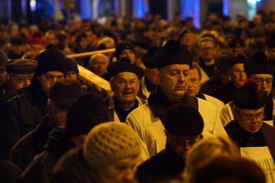 Oglądasz obraz z artykułu: Poznańska Droga Krzyżowa - fotoreportaż