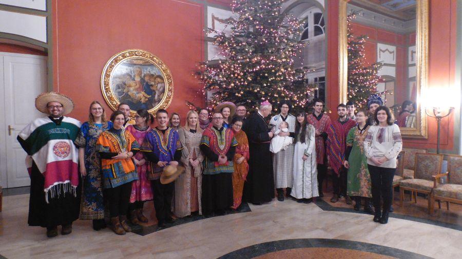 Oglądasz obraz z artykułu: Misyjne kolędowanie z Arcybiskupem Poznańskim