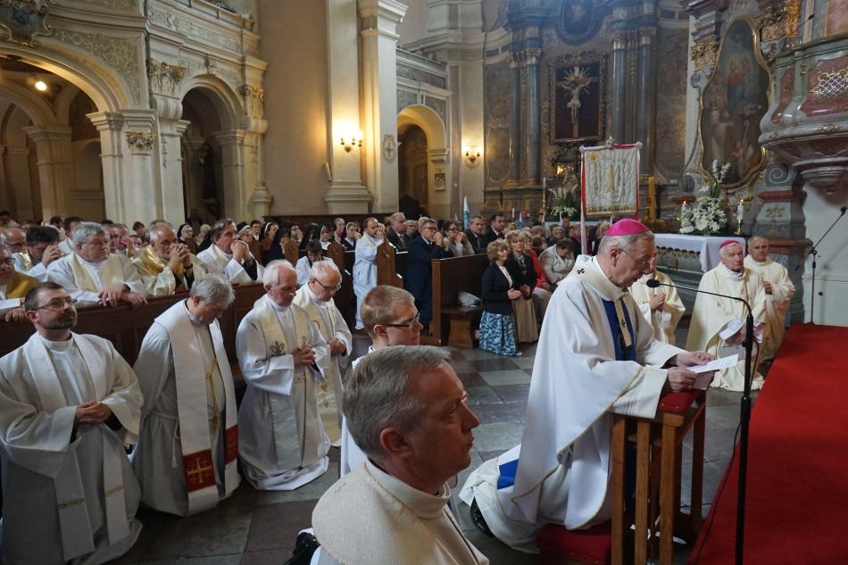 Oglądasz obraz z artykułu: Archidiecezjalne obchody 100. rocznicy objawień w Fatimie