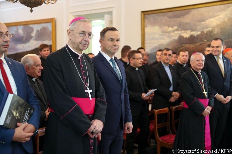 Oglądasz obraz z artykułu: Prezydent RP upamiętnił w Belwederze Arcybiskupa Antoniego Baraniaka