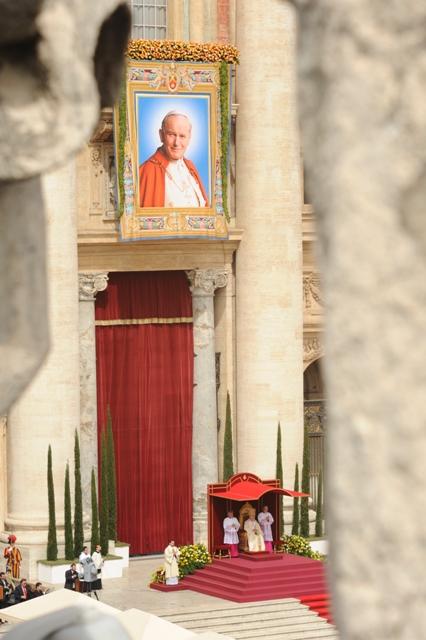 Oglądasz obraz z artykułu: XV Archidiecezjalna Pielgrzymka do Rzymu, 26-30.4.2014